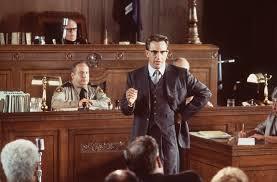Jim Garisson (Kevin Costner) lors de son réquisitoire - Kevin Costner tijdens zijn aanklacht (Oliver Stone, 1991)