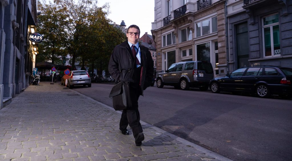 Unitarist Ruben Van Miegroet (O-Vl.) in Brussel begin november 2016;, een groot Belgisch politicus in wording - L'unitariste Ruben Van Miegroet (Fl. or.) à Bruxelles début novembre 2016; un grand homme politique belge en devenir