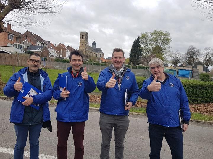 De B.U.B. bij het verzamelen van handtekeningen in Grimbergen, Brabant op 16 maart 2019. - Le B.U.B. lors de la récolte de signatures à Grimbergen dans le Brabant le 16 mars 2019 (foto - photo B.U.B.)